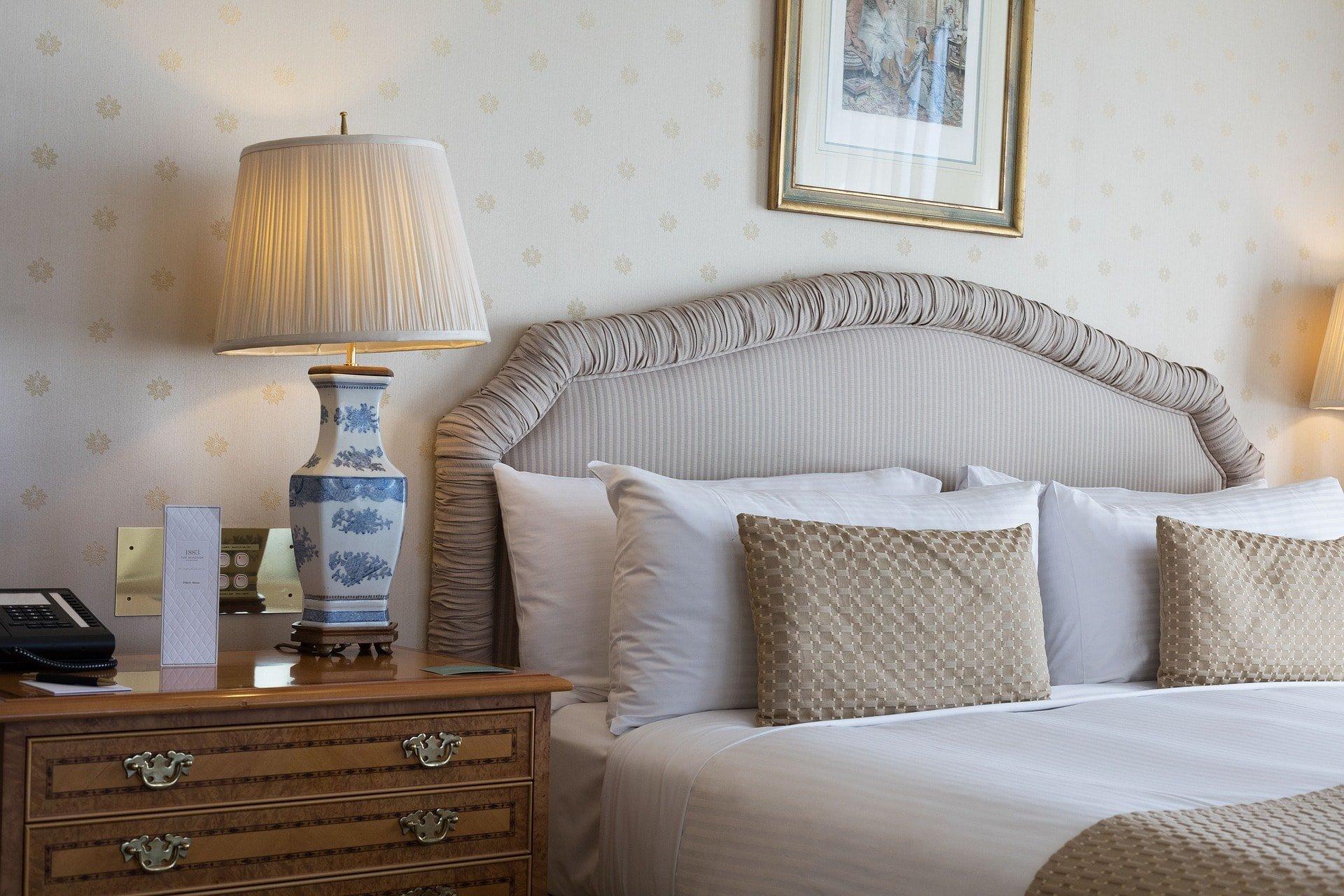Habitación elegante cómoda - Makro Mueble