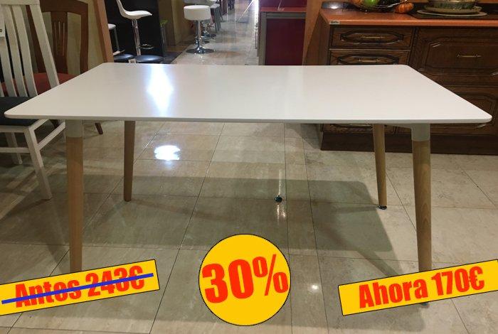 Mesa de comedor con la tapa blanca - MakroMueble